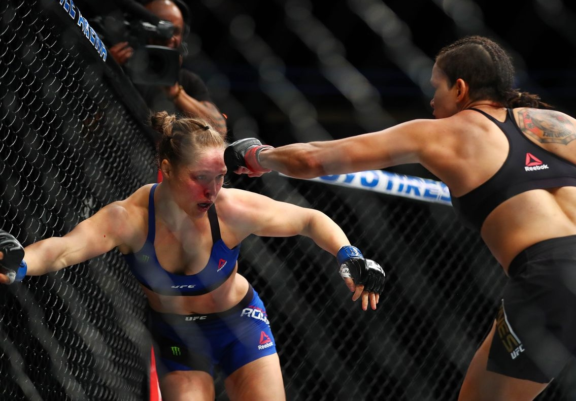 video review : Amanda Nunes versus Ronda Rousey at UFC 207