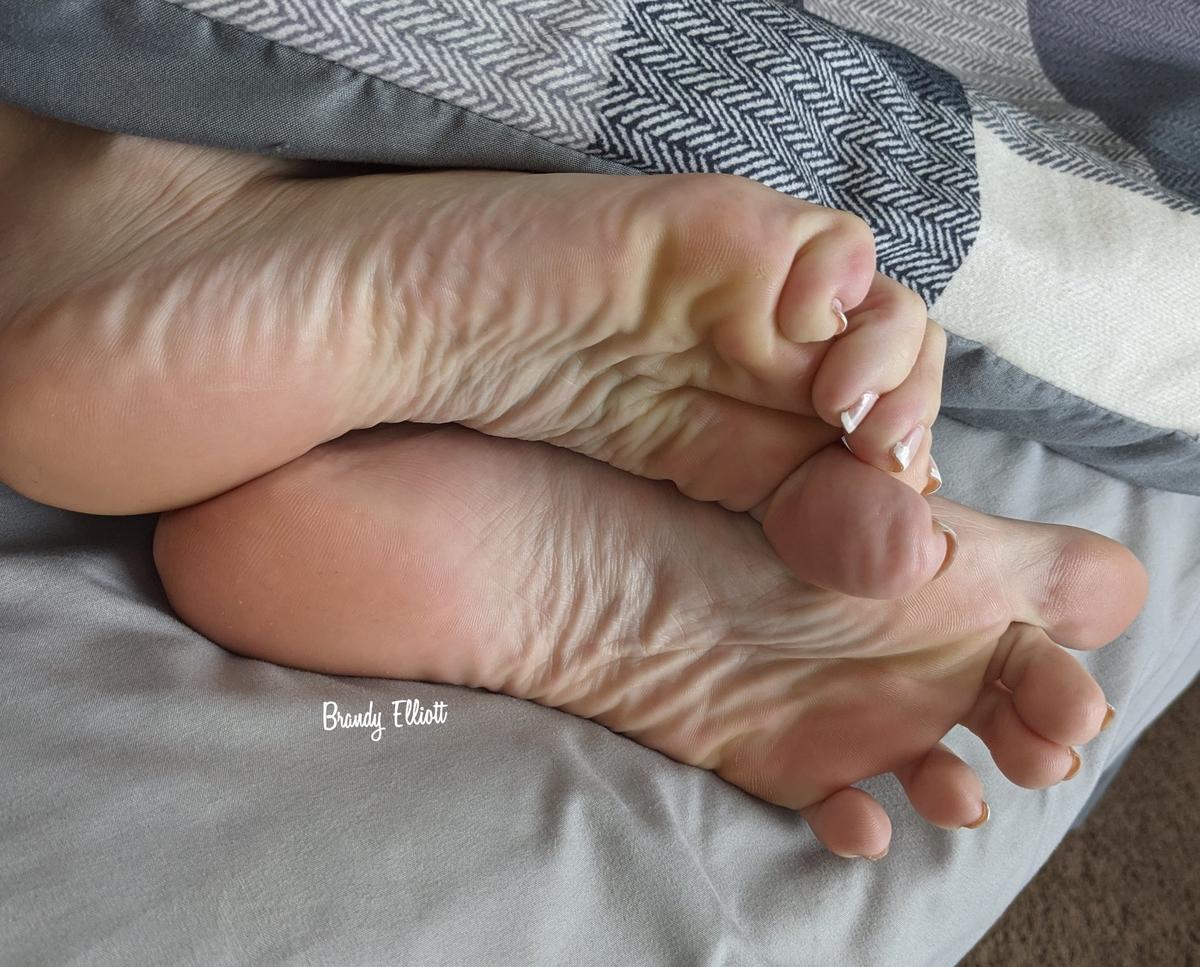 Brandy Elliott's feet