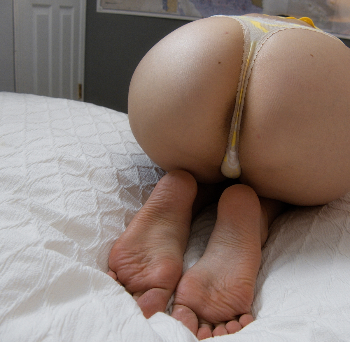 a girl named Ruby showing her ass and feet