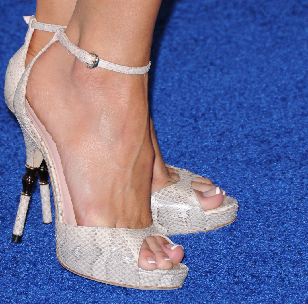 Kelly Carlson's feet