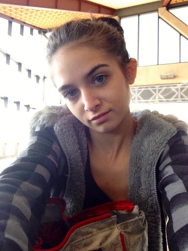 Zoey Kush posing