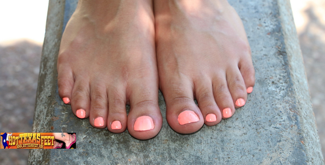 a Texas girl named Alyce showing her toes