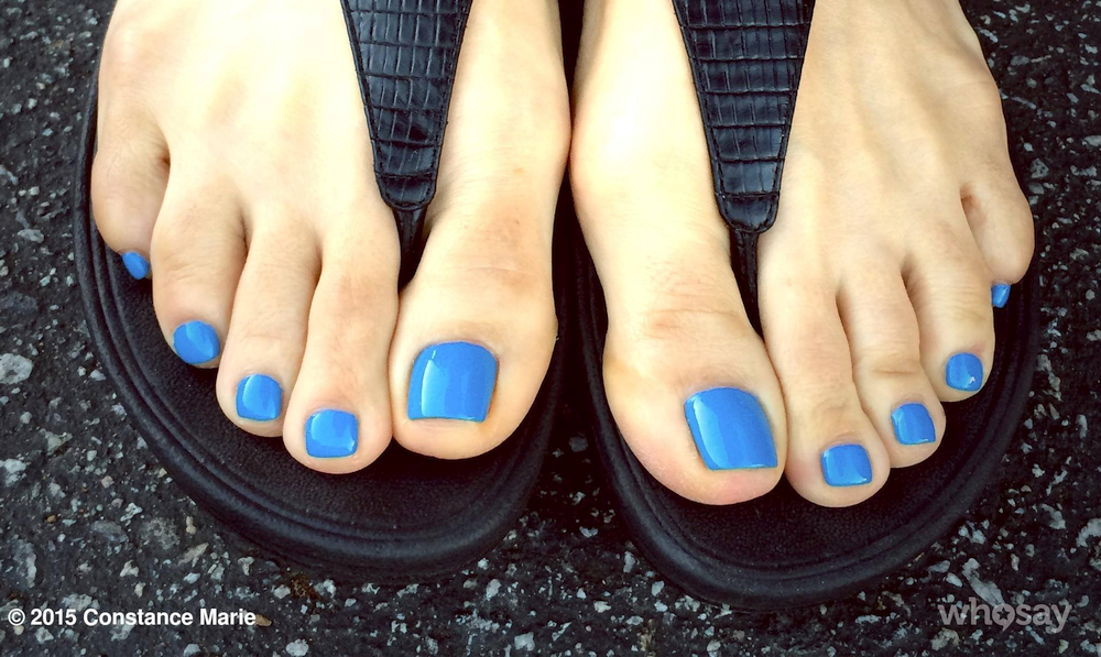 Constance Marie's toes