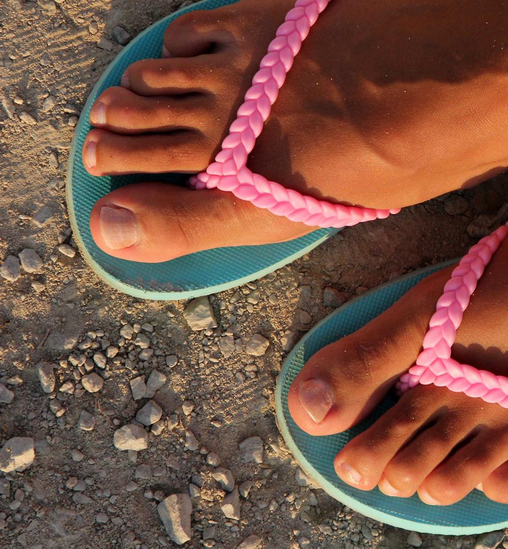 Katya Clover's toes