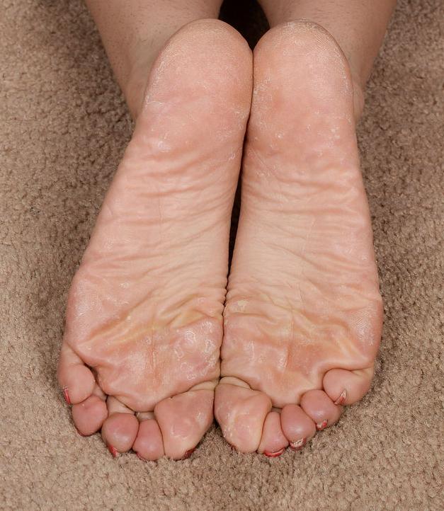 Camille Lixx's feet