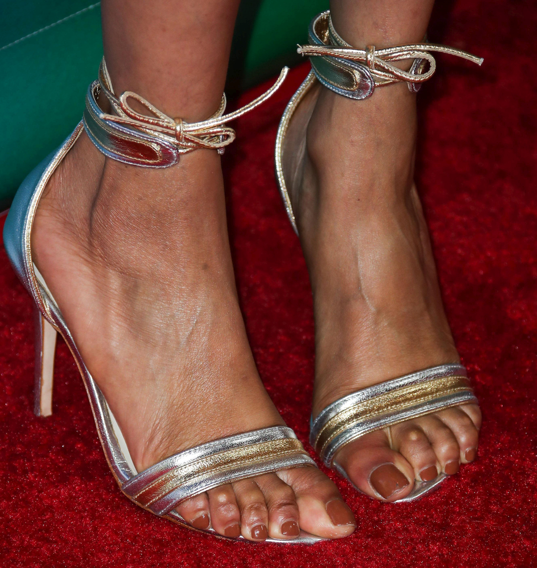Tyra Banks showing her feet