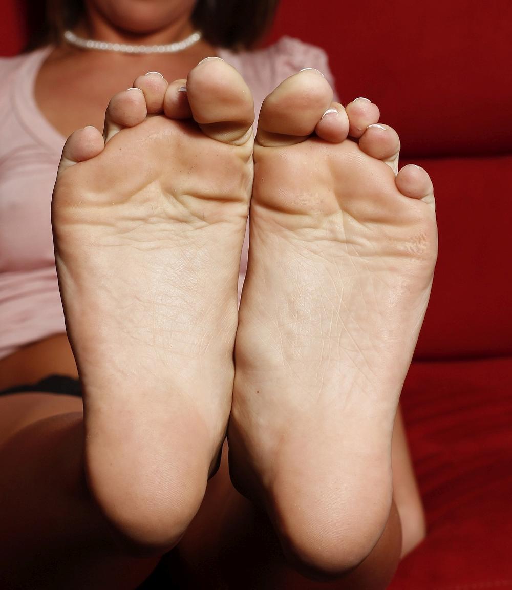 Goddess Amiee's feet