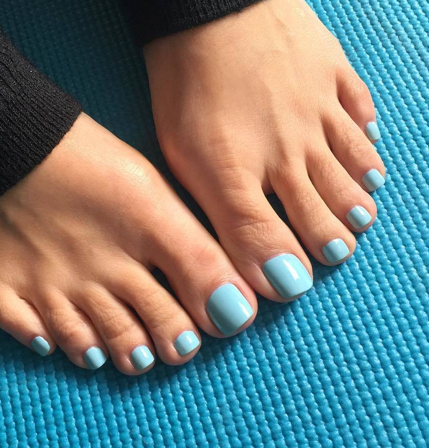 Stella Liberty's toes