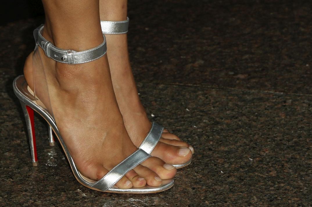 Gugu Mbatha-Raw's feet