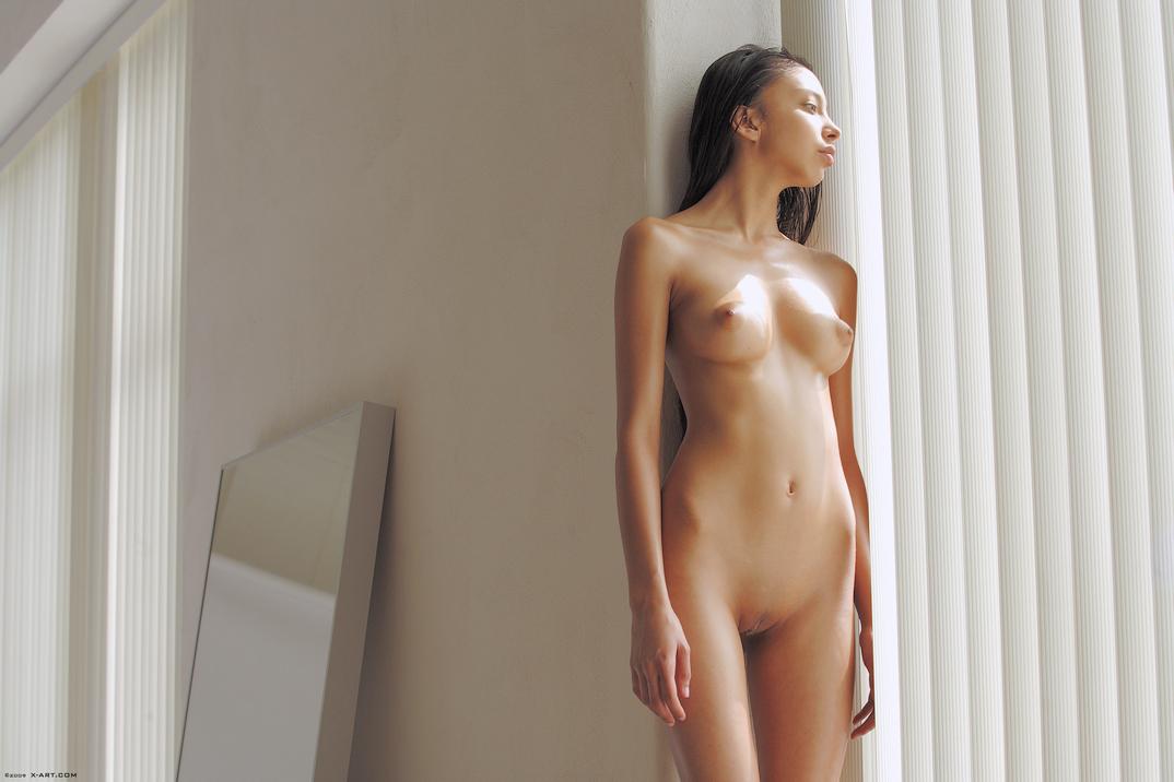 alexis love posing nude