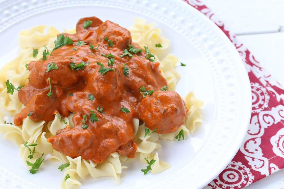 Hungarian meatballs and pasta