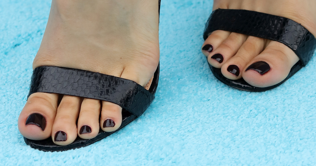 Cleopatra Coleman's toes