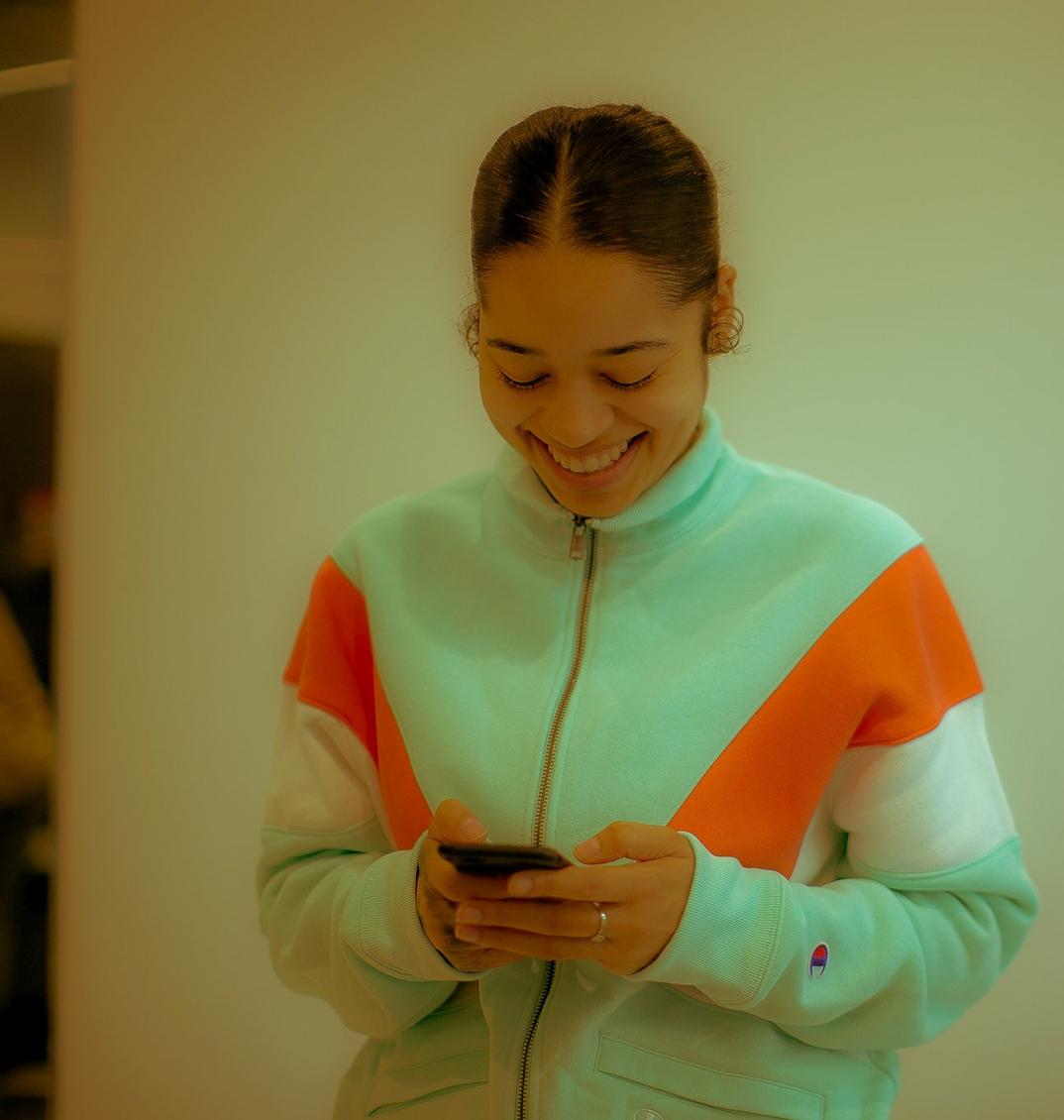 Ella Mai smiling