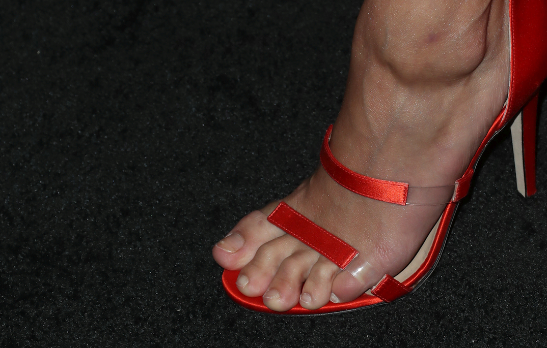 Hailey Baldwin's foot