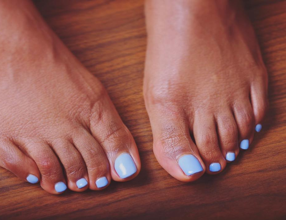 Ayisha Cottontail's toes