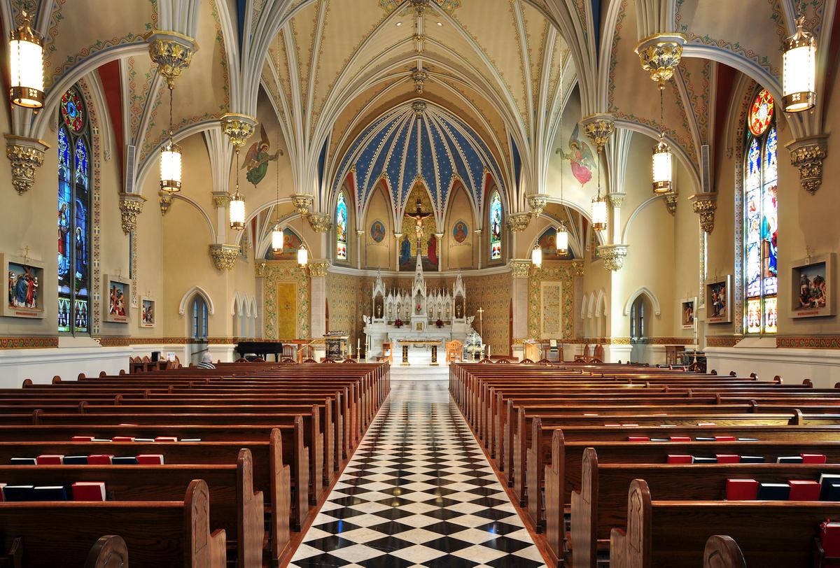 the inside of Saint Andrew's Roman Catholic Church in Roanok