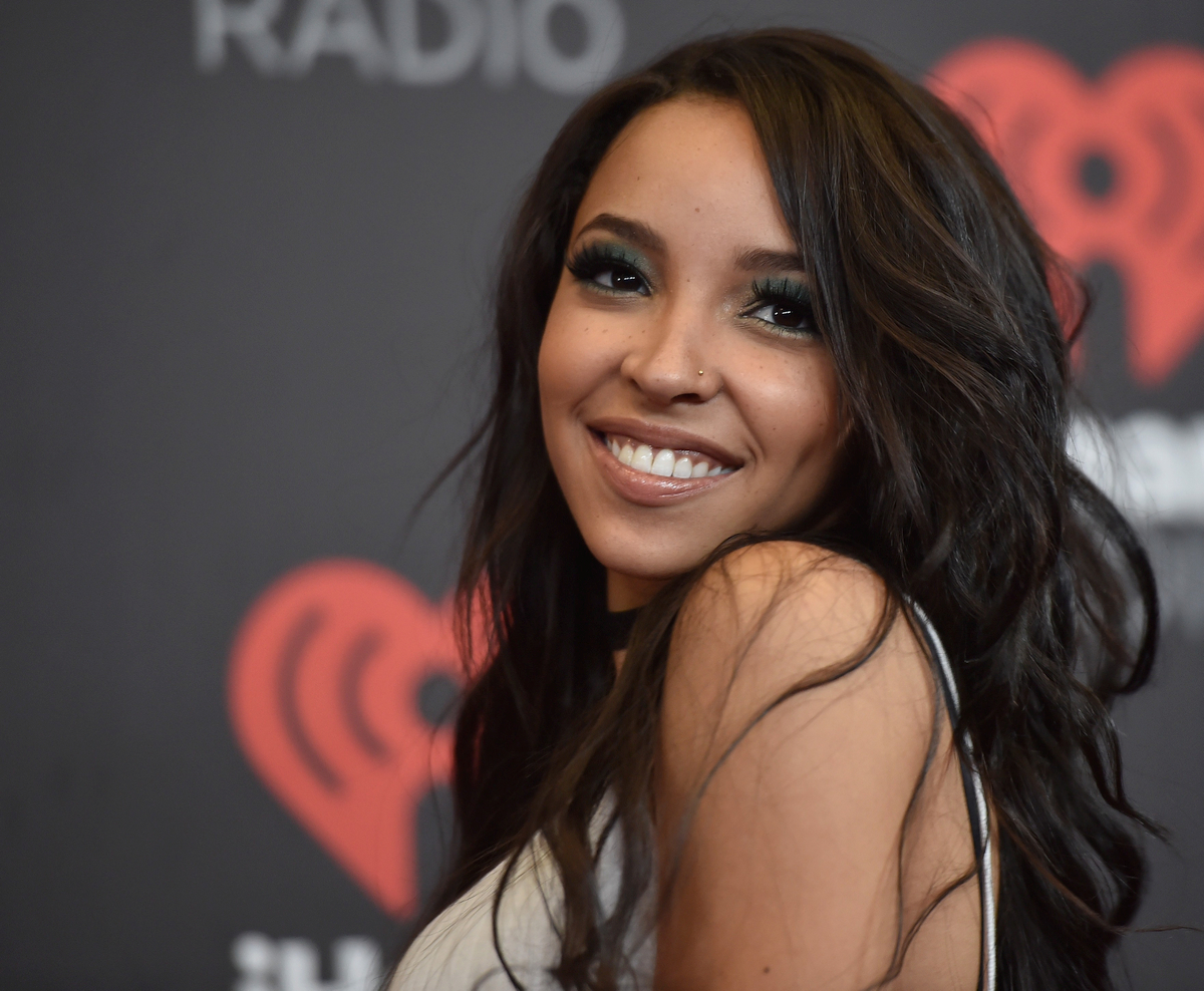 Tinashe's physical appearance