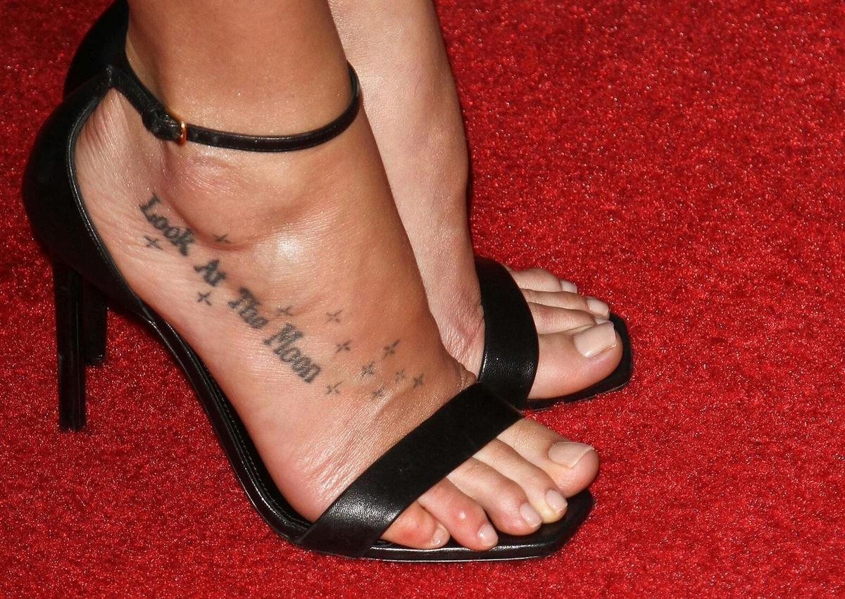 Dakota Johnson's feet