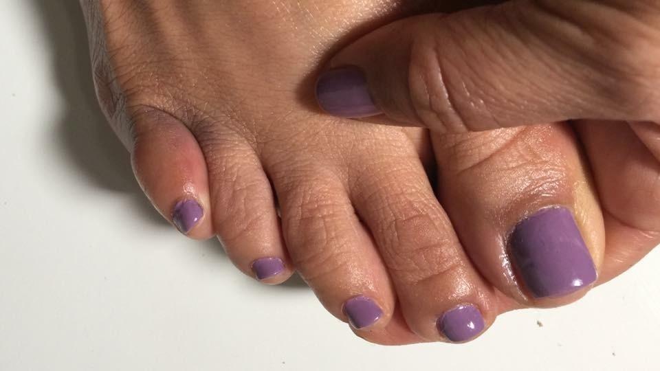 Darlene Ortiz's toes