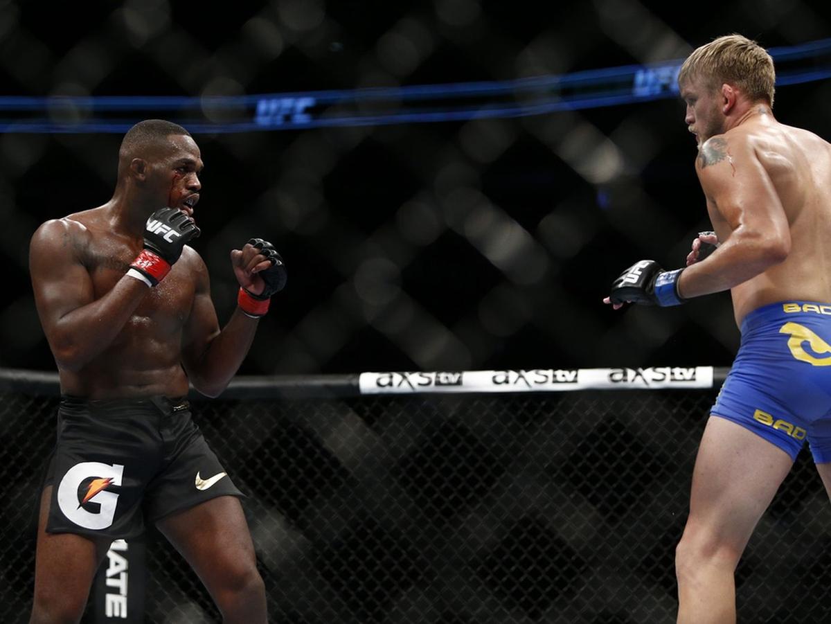 video review : Jon Jones versus Alexander Gustafsson at UFC 165